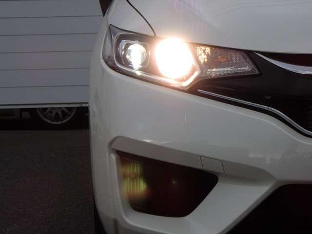 13G・Fパッケージ コンフォートエディション LEDヘッド メモリナビ ETC Rカメ ナビTV シートヒーター スマートキー ワンセグ CD 横滑り防止 ABS(9枚目)