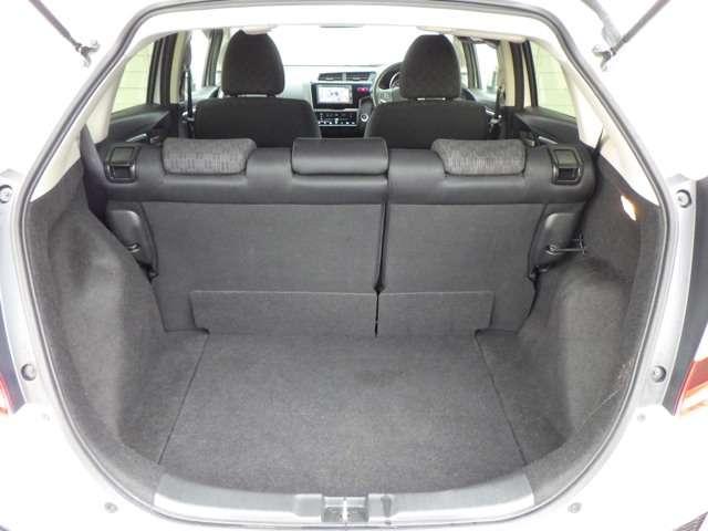 13G・Fパッケージ コンフォートエディション LEDヘッド メモリナビ ETC Rカメ ナビTV シートヒーター スマートキー ワンセグ CD 横滑り防止 ABS(19枚目)