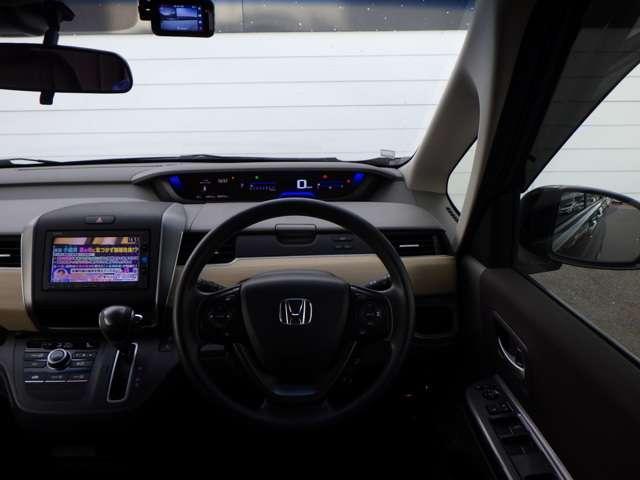 G・ホンダセンシング スマキー キーフリー クルコン Bカメ ETC車載器 メモリナビ アイスト DVD CD エアコン ABS 両側電動スライドD 地デジTV TVナビ エアバック パワーウインドウ 横滑り防止 記録簿(16枚目)