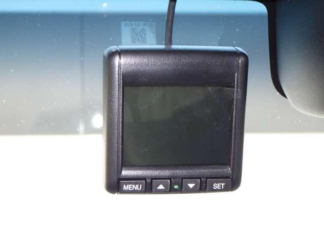 G・Lホンダセンシング 地デジ ナビTV LEDヘッドランプ ESC ベンチシート 記録簿 DVD再生 メモリナビ クルーズコントロール 盗難防止 アイドリングS ETC車載器 AC AW ABS パワステ サイドエアバッグ(13枚目)