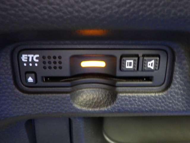 G・Lホンダセンシング LEDヘッドランプ ESC ベンチシート 記録簿 メモリナビ ナビ クルーズコントロール 盗難防止 アイドリングS ETC車載器 AC AW ABS 両側スライド左側パワースライドドア パワステ CD(16枚目)