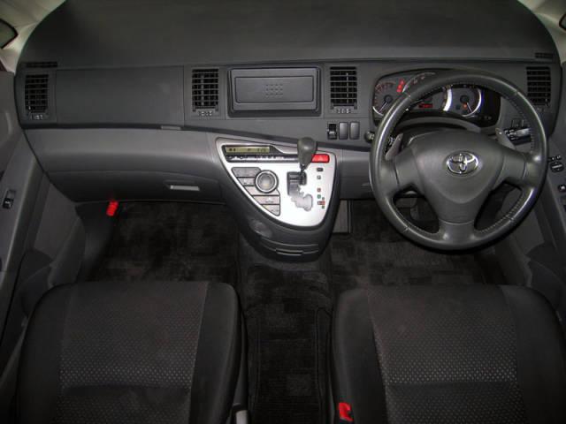 トヨタ アイシス プラタナ ワンオーナー パワースライドドア HIDライト