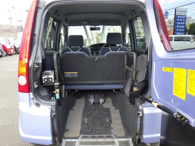 スローパー 車いす移動車 電動ニールダウン 福祉車輌(7枚目)
