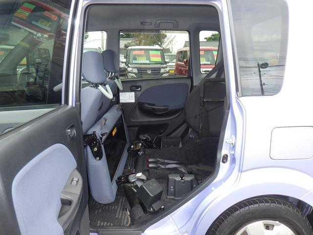 スローパー 車いす移動車 電動ニールダウン 福祉車輌(9枚目)