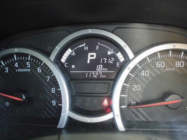 XG 4WD ターボ車 純正16インチアルミ 背面タイヤ キーレス CDデッキ(12枚目)