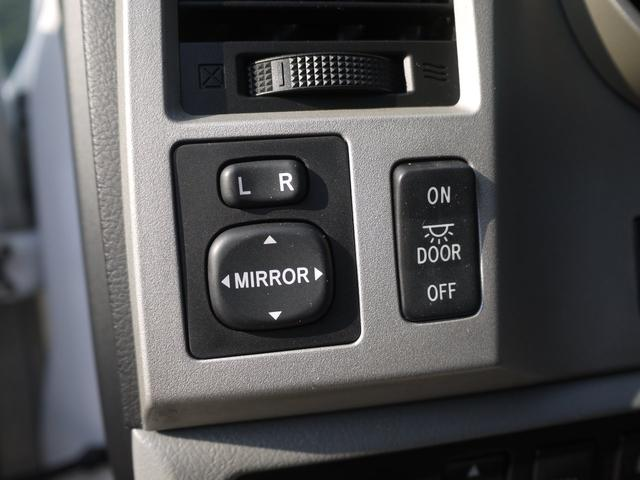 米国トヨタ タンドラ ダブルキャブ SR5  4WD 20インチ オーバーフェンダ