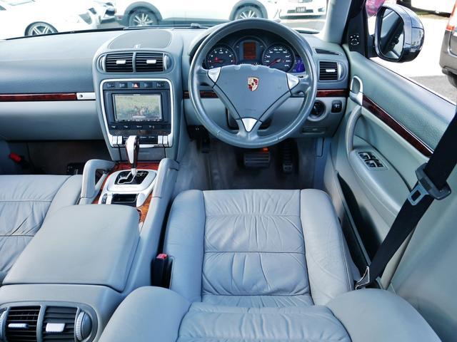 「ポルシェ」「カイエン」「SUV・クロカン」「宮崎県」の中古車43