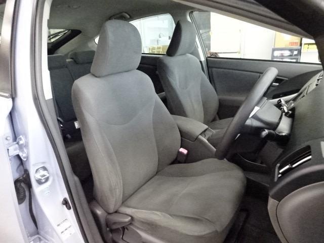 頭上が広く,座りやすいシート座面位置☆乗り降りがしやすい車です♪