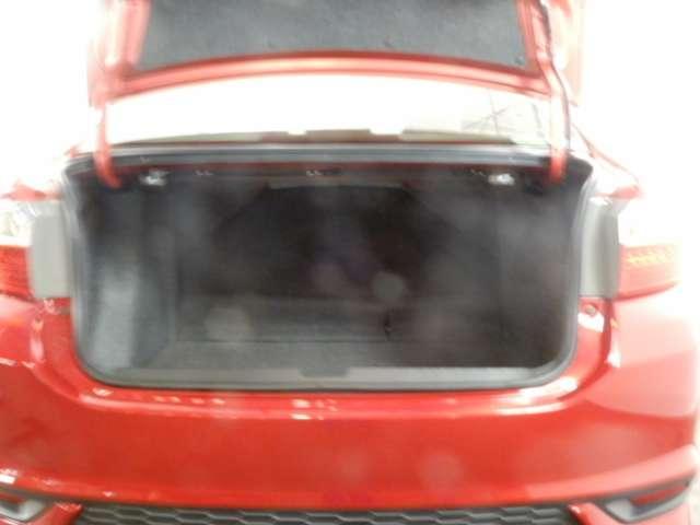 ハイブリッドLX・ホンダセンシング 衝突被害軽減ブレーキサポート レーンアシスト CDオーディオ バックカメラ ワンセグTV LEDヘッドライト ETC オートエアコン(6枚目)