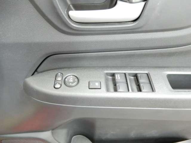 G オーディオレス HIDヘッドライト 純正アルミホイール エンジンプッシュスタート アイドリングストップ スマートキー オートエアコン(16枚目)