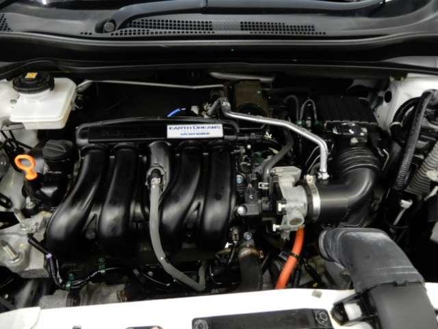 ハイブリッドZ 衝突被害軽減ブレーキサポート クルーズコントロール ビルトインETC メモリーナビ リアカメラ フルセグTV LEDヘッドライト アルミホイール エンジンプッシュスタート アイドリングストップ(20枚目)