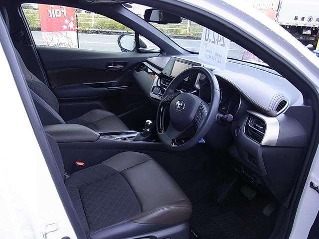 「トヨタ」「C-HR」「SUV・クロカン」「宮崎県」の中古車21