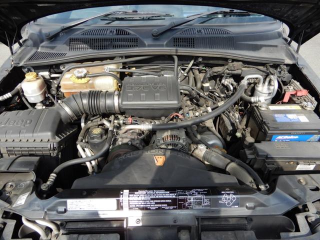 綺麗なエンジンルーム!前オーナーさんが大切に扱っていたのでエンジン、足回り調子良いです!