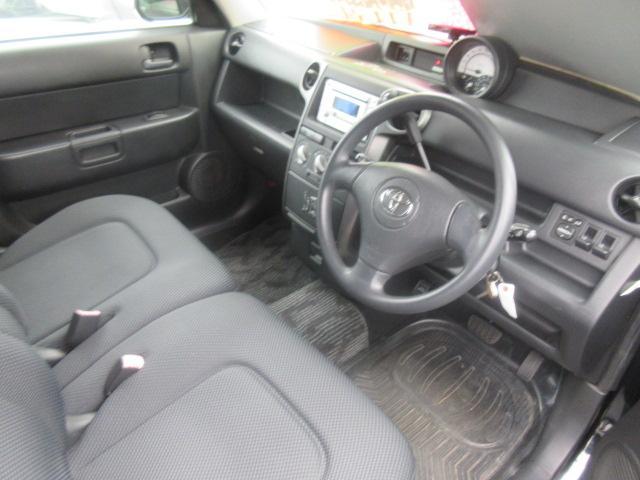 トヨタ bB Z サイオン仕様ヘッドライト 革調シートカバー