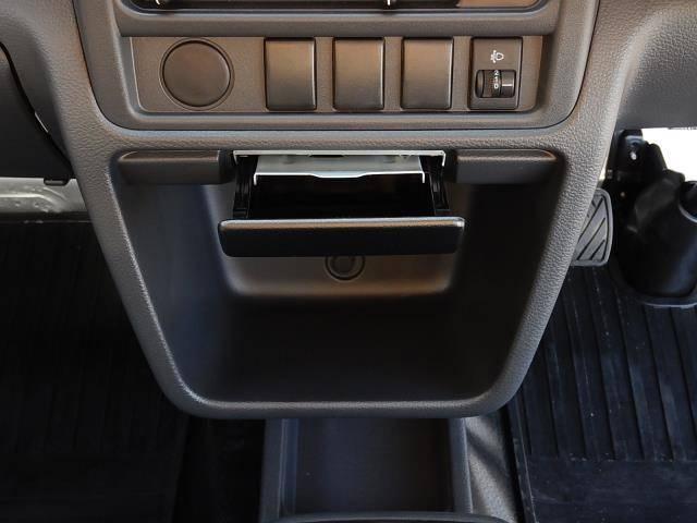 日産 NT100クリッパートラック DX 5速MT 純正ラジオ 三方開 あおりガード
