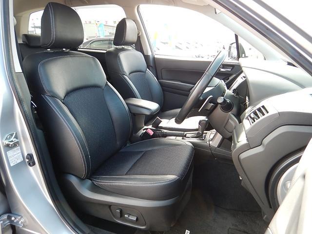 【運転席全景】ゆったり座れるセパレートタイプの運転席・助手席です♪運転席・助手席共に着座位置の細やかな調整が可能なパワーシートです♪シートヒーター機能も付いていますよ♪