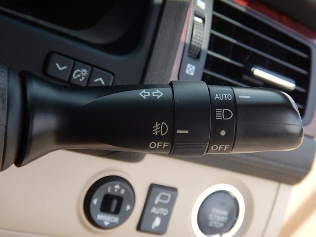 オートライト機能付HIDヘッドライトとフォグライトスイッチです♪