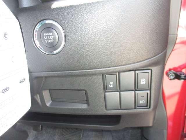 エンジン始動もボタン1つ♪後席左スライドドアは運転席からも開閉出来ます♪