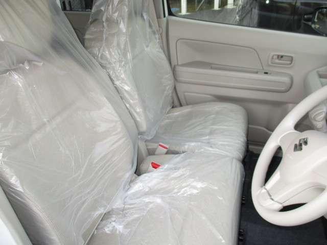 運転席シートにはシートヒーター付いてます♪