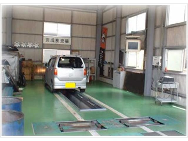 運輸局指定民間車検工場でもちろん整備員・検査員共有資格者だから安心!立ち会い車検で納得、安心。