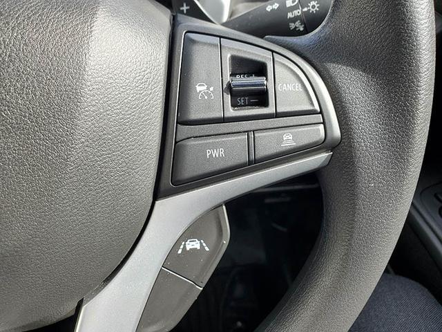 アダプディブクルーズコントロールシステム搭載!先行車との距離をレーダーで測定し、車間距離を保ちながら、加速・減速します!