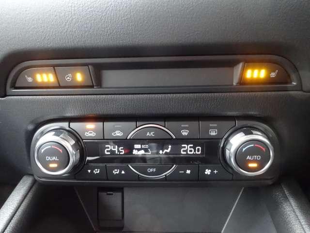 メッキ加飾を追加し水平基調の表現をさらに強めるエアコンパネルデザイン。ハンドルヒーターは寒い季節の運転をサポートしてくれます。