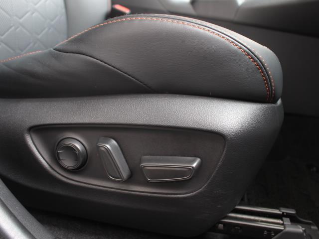 アドベンチャー サンルーフ 4WD フルセグ DVD再生 バックカメラ 衝突被害軽減システム ETC ドラレコ LEDヘッドランプ 記録簿(5枚目)