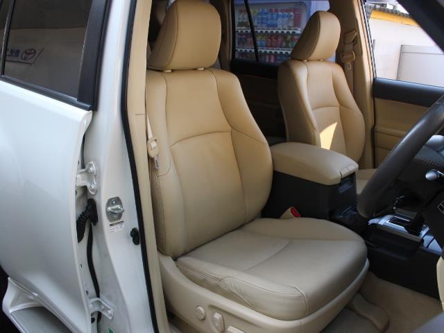 TX Lパッケージ 革シート 4WD フルセグ メモリーナビ DVD再生 バックカメラ ETC 乗車定員7人 3列シート フルエアロ 記録簿(4枚目)