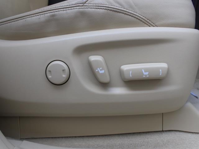 TX Lパッケージ 革シート 4WD フルセグ メモリーナビ DVD再生 バックカメラ ETC 乗車定員7人 3列シート フルエアロ 記録簿(5枚目)
