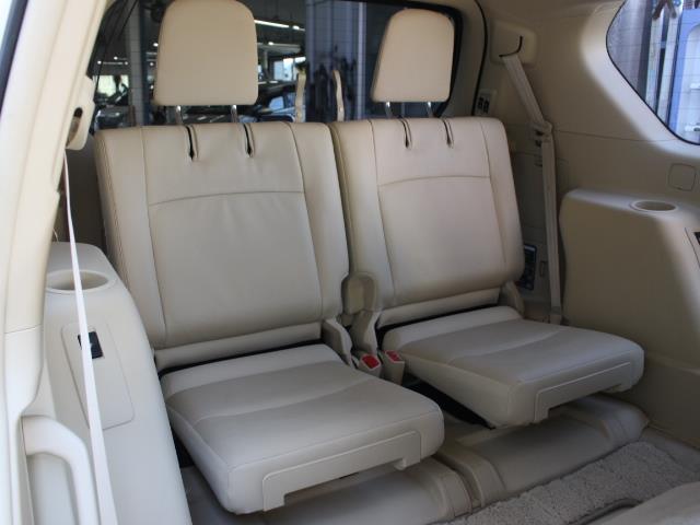 TX Lパッケージ 革シート 4WD フルセグ メモリーナビ DVD再生 バックカメラ ETC 乗車定員7人 3列シート フルエアロ 記録簿(8枚目)