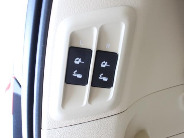 TX Lパッケージ 革シート 4WD フルセグ メモリーナビ DVD再生 バックカメラ ETC 乗車定員7人 3列シート フルエアロ 記録簿(9枚目)