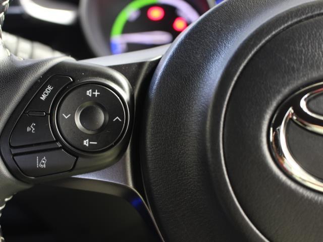S GRスポーツ フルセグ メモリーナビ ミュージックプレイヤー接続可 バックカメラ 衝突被害軽減システム ETC ドラレコ LEDヘッドランプ 記録簿(7枚目)