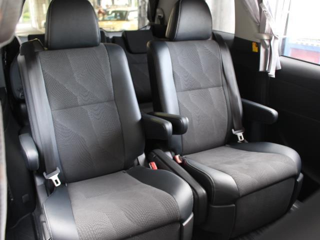 アエラス プレミアム 4WD フルセグ HDDナビ DVD再生 バックカメラ 両側電動スライド HIDヘッドライト 乗車定員7人 3列シート 記録簿(7枚目)