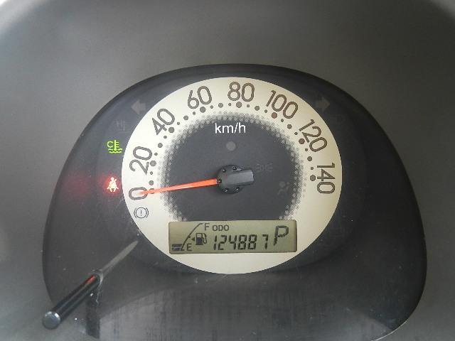 ダイハツ エッセ X キーレス・CD・Wエアバック・フロアオートマ