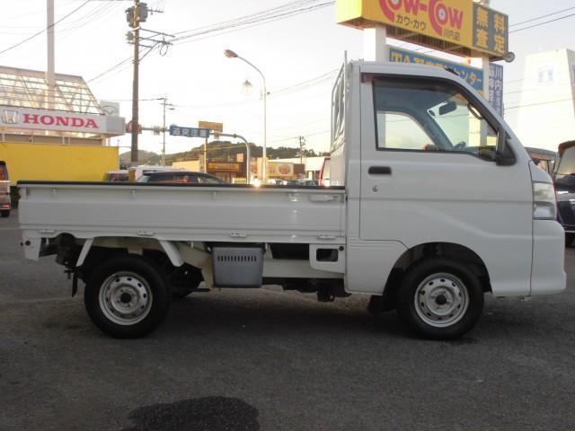 エアコン・パワステ スペシャル 4WD マニュアル車(4枚目)