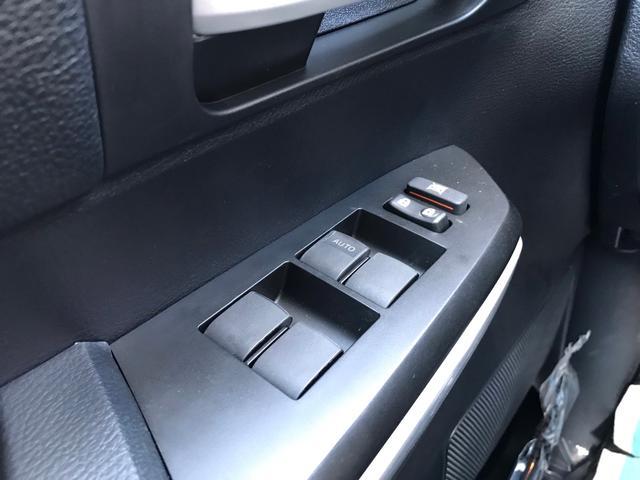SR5 2021年モデル TRDオフロード プレミアムPKG 4WD 衝突軽減ブレーキ 黒革 サンルーフ スプレーベッド バックカメラ ヒッチメンバー レーンキープアシスト オートハイビーム(22枚目)
