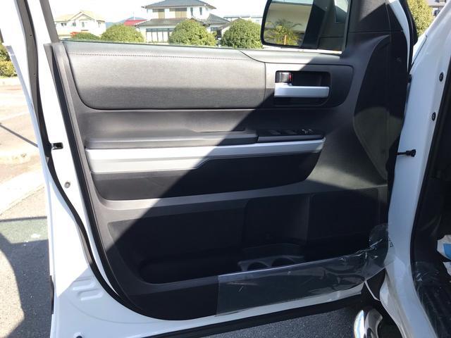SR5 2021年モデル TRDオフロード プレミアムPKG 4WD 衝突軽減ブレーキ 黒革 サンルーフ スプレーベッド バックカメラ ヒッチメンバー レーンキープアシスト オートハイビーム(30枚目)