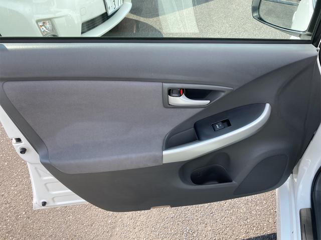 S HDDナビ ワンセグテレビ Bluetooth接続 ミュージックサーバー スマートキー 社外AW ETC CD/DVD 車高調 黒革調シートカバー プッシュスタート 電動格納ミラー オートエアコン(19枚目)