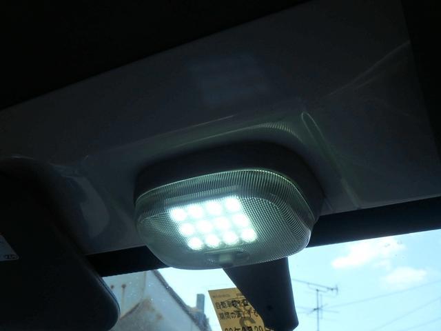 クルーズ 助手席理リクライング 荷室大光量LEDライト(16枚目)