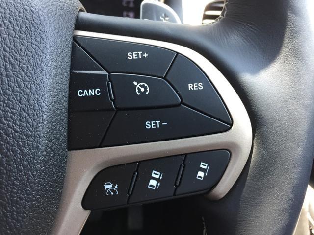 車の車間距離を認識して追従するACC