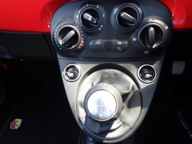 ベースグレードRHD 5速MT 登録済未使用車 新Uコネクト(11枚目)