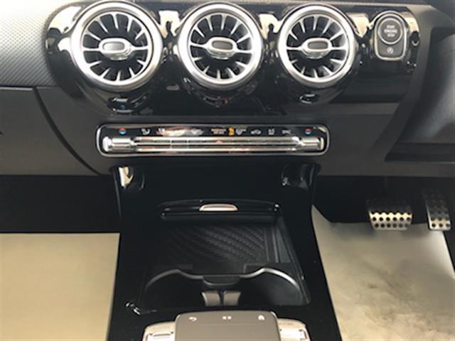 CLA250 4マチック AMGライン レーダーセーフティパッケージ AMGレザーエクスクルーシブパッケージ アドバンスドパッケージ ナビゲーションパッケージ 2年保証 新車保証(12枚目)