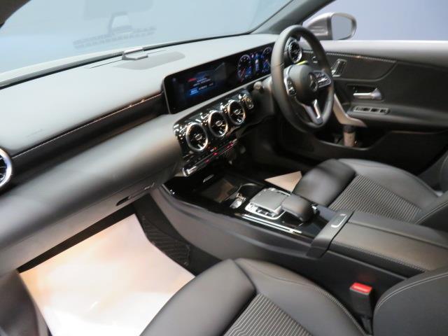 A250 4マチック セダン レーダーセーフティパッケージ ナビゲーションパッケージ 2年保証 新車保証(11枚目)