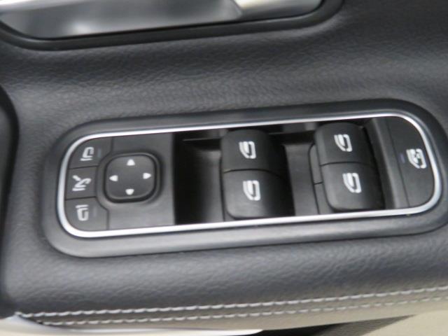 A250 4マチック セダン レーダーセーフティパッケージ ナビゲーションパッケージ 2年保証 新車保証(14枚目)