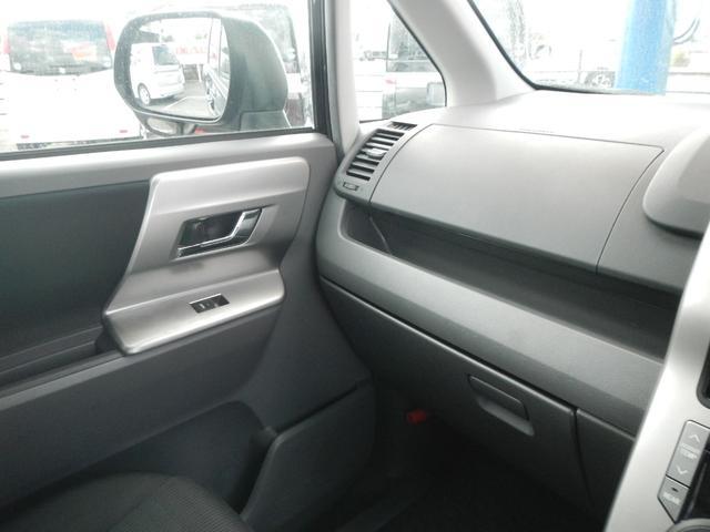 「トヨタ」「ヴォクシー」「ミニバン・ワンボックス」「熊本県」の中古車32