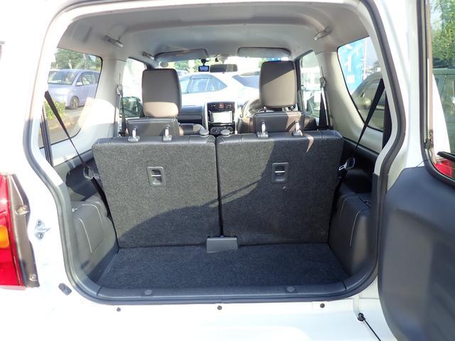 効率よく使えるラゲージスペース!シートは分割して使用できるのでで積む荷物によって変えられます!