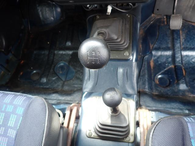 5速マニュアル・ターボ・4WD