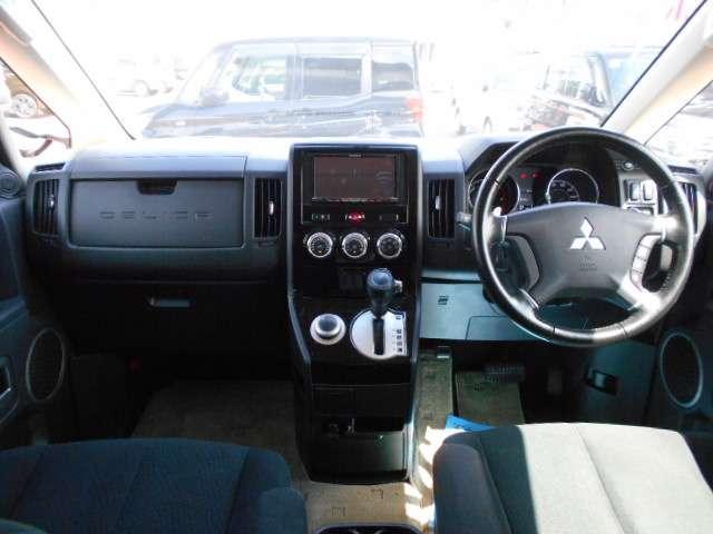 D パワーパッケージ クルコン シートヒーター ターボ ETC スマートキー 4WD 横滑り防止装置 エアバック キーレス 両側自動D 寒冷地 盗難防止装置 ABS アルミホイール(2枚目)