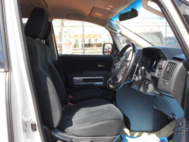 D パワーパッケージ クルコン シートヒーター ターボ ETC スマートキー 4WD 横滑り防止装置 エアバック キーレス 両側自動D 寒冷地 盗難防止装置 ABS アルミホイール(19枚目)