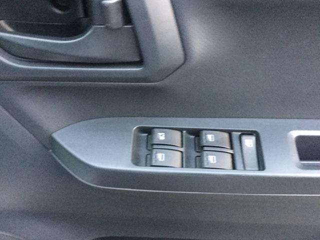 パワーウィンドウスイッチは運転席ドアトリムに配置